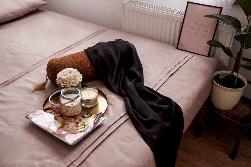 Dijana Rose | Minu.si | Ustvarjanje foto vsebin za vrhunske posteljnine.jpg