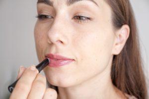 Izjemna šminka z dolgo obstojnostjo Max Factor Lipfinity 24h