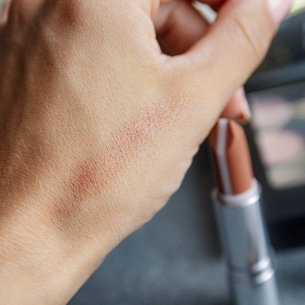Hydra care lipstick Notino.si