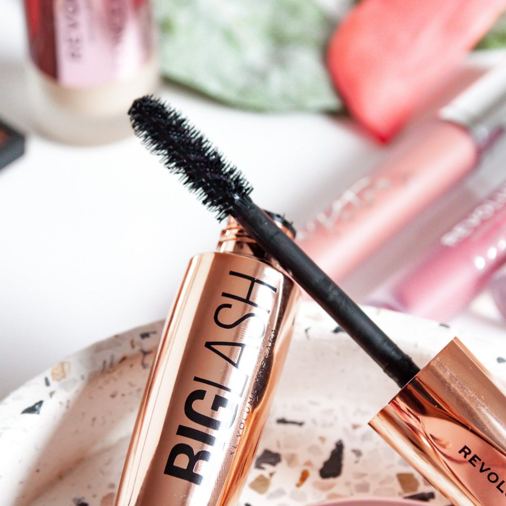 Makeup revolution Big lash maskara za volumen | Notino.si | Dijanarose.com