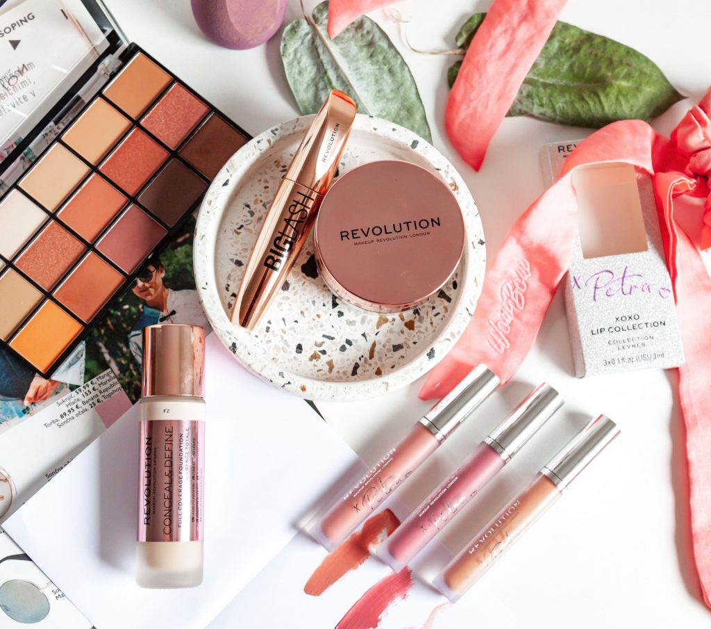 Makeup revolution Conceal and Hydrate podlaga | Notino.si | Dijanarose.com