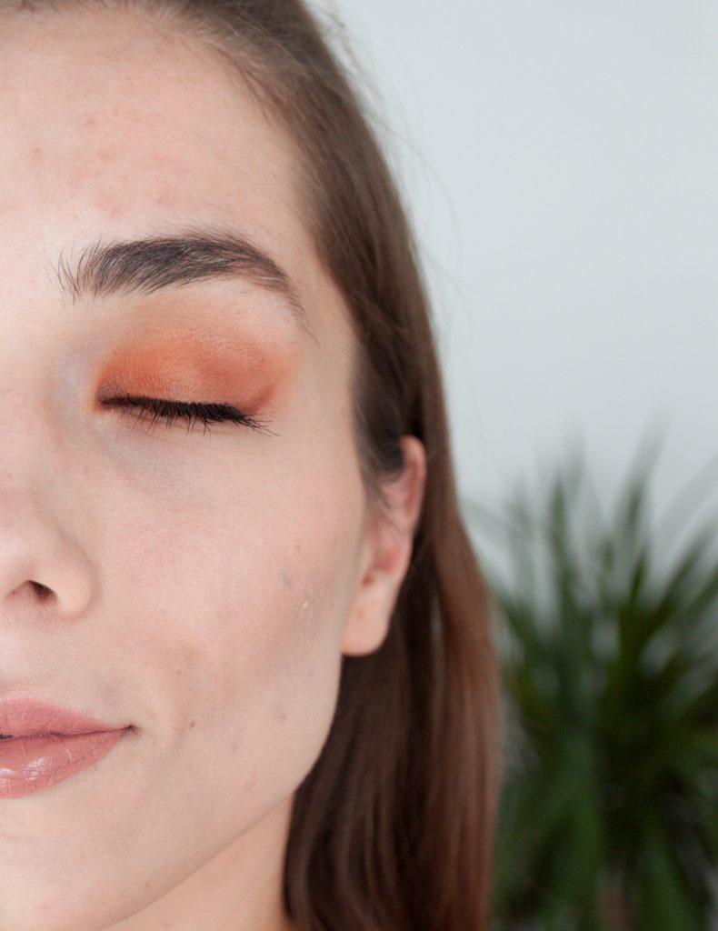 Makeup revolution Iconic Fever paleta senčil | Notino.si | Dijanarose.com