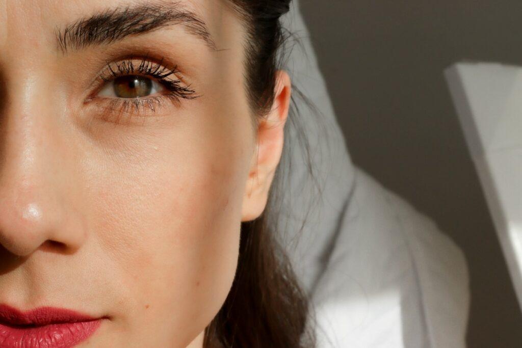 Sigma Beauty Tint + Tame Brow Gel za čvrste in poudarjene obrvi   Notino.si in Dijanarose.com